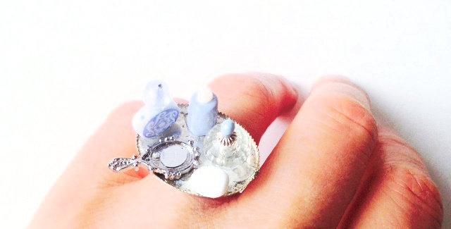 Bague La SALLE de BAIN, accessoires miniatures de toilette, bleu et blanc