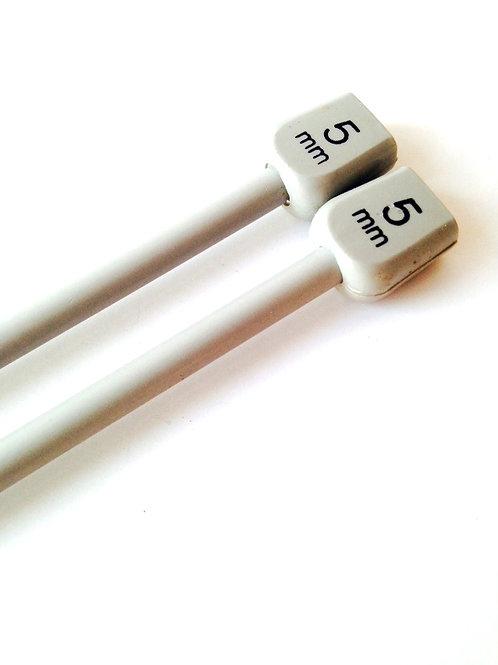 Aiguilles à tricoter en métal, 5mm, avec bout plastique gris, seconde vie