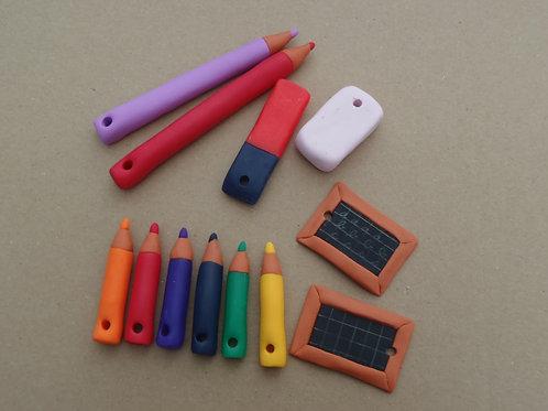 Accessoires Breloques à accrocher, Ecole, Crayons en pâte polymère