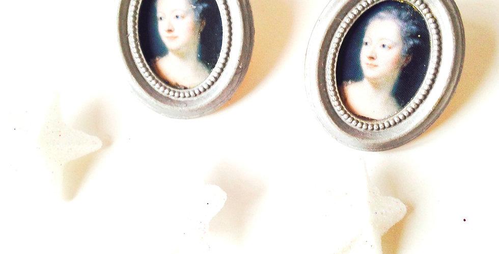 Puces d'oreilles MARIE-ANTOINETTE, cadre argenté, ovales