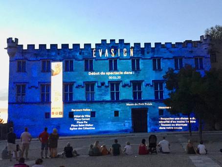 Spectacle Son et Lumière à Avignon en août