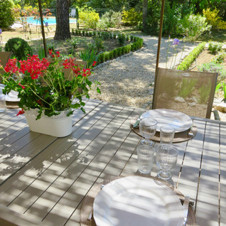 Lunch in the garden on the south terrasse