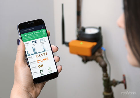 Flowie water flow sensor with mobile app