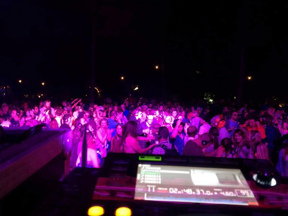 crowd_6