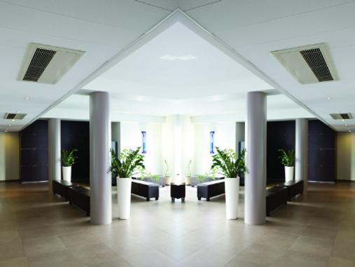 ceilingmountedcornercassetteINTERIOR1.pn