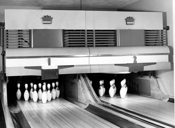basement-bowling-truman-pins.jpg