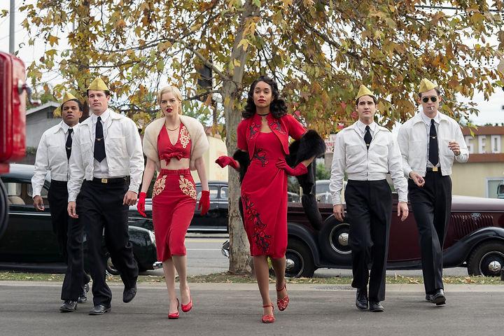 Hollywood-RyanMurphy-Review-1.jpg