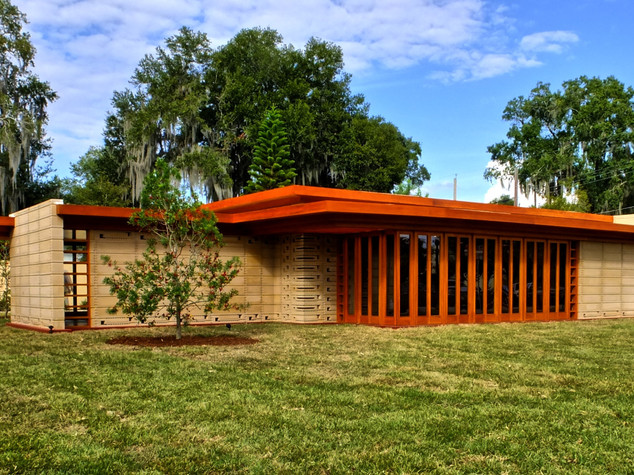 Visitor's Center & Usonian House