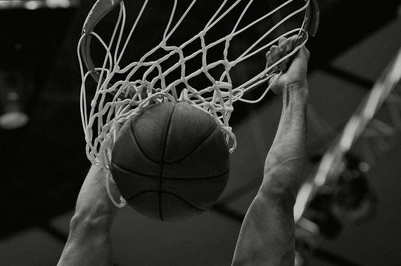 Basketball%20Dunk_edited.jpg