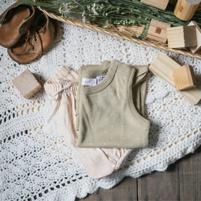 Outfit Inspiration for Newborn Baby Photos