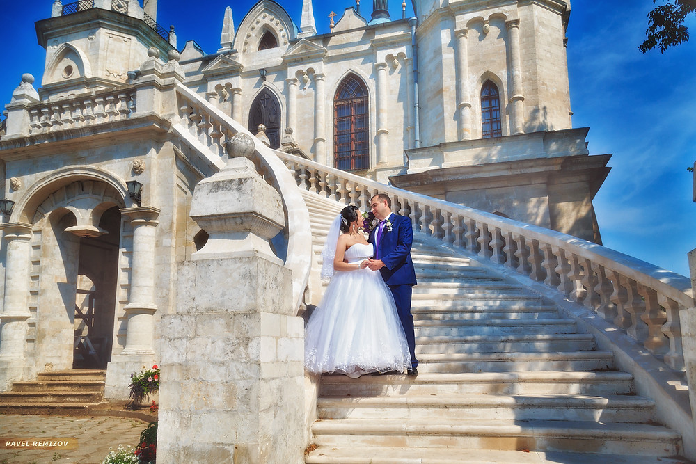 Свадебная прогулка, храм Баженова в Быково, Свадебный фотограф Павел Ремизов