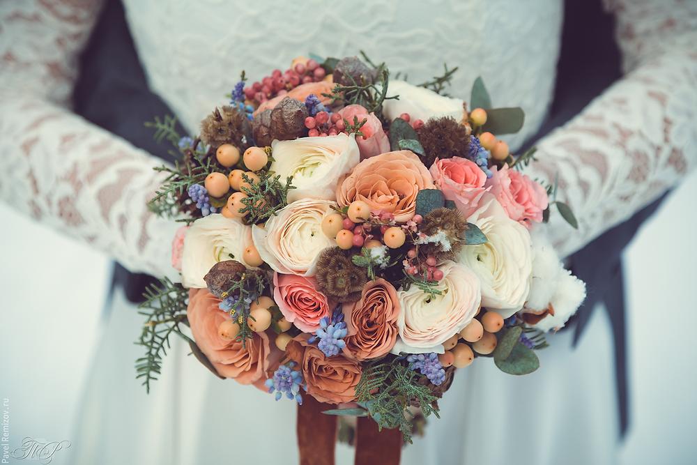 Свадебный букет, цветы, усадьба Архангельское, фотограф Павел Ремизов