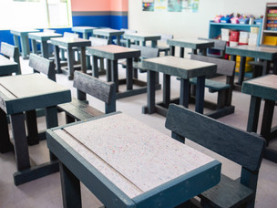 RECYCLED PLASTIC SCHOOL DESKS