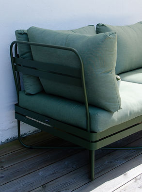 1K_Bris_sofa_outdoor_DO_01_yggoglyng.jpg