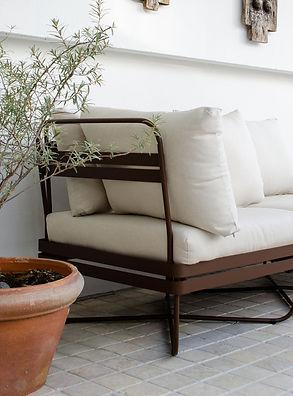 1K_Bris_sofa_outdoor_EB_01_yggoglyng.jpg