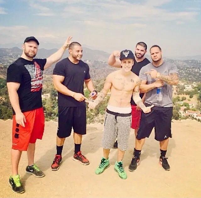 Justin Bieber with entourage at Runyon Canyon