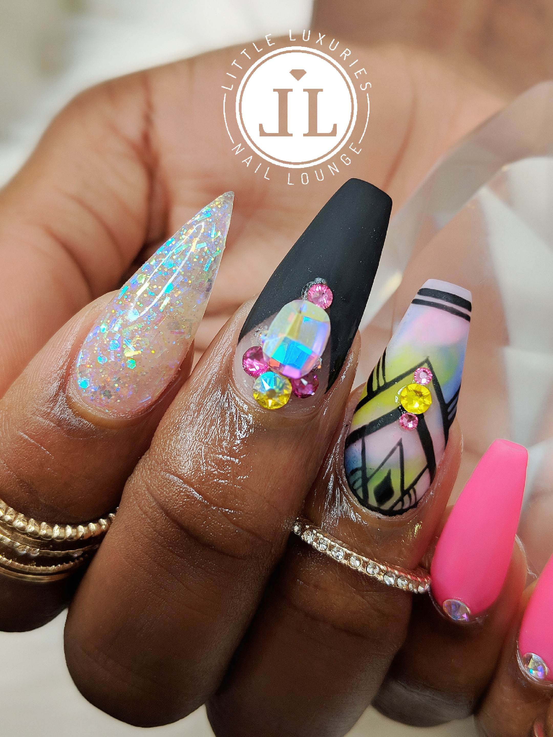 Little Luxuries Nail Lounge| Uptown Minneapolis | Top Quality Nails