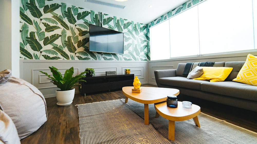 Beautiful wallpaper accent wall as an idea in your new home