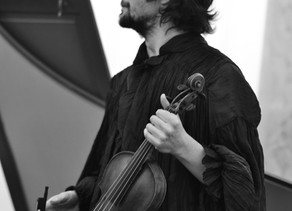 """Aндрей Пенюгин с мировой премьерой релиза """"24 скрипичных капричио Уильяма Хершиля."""