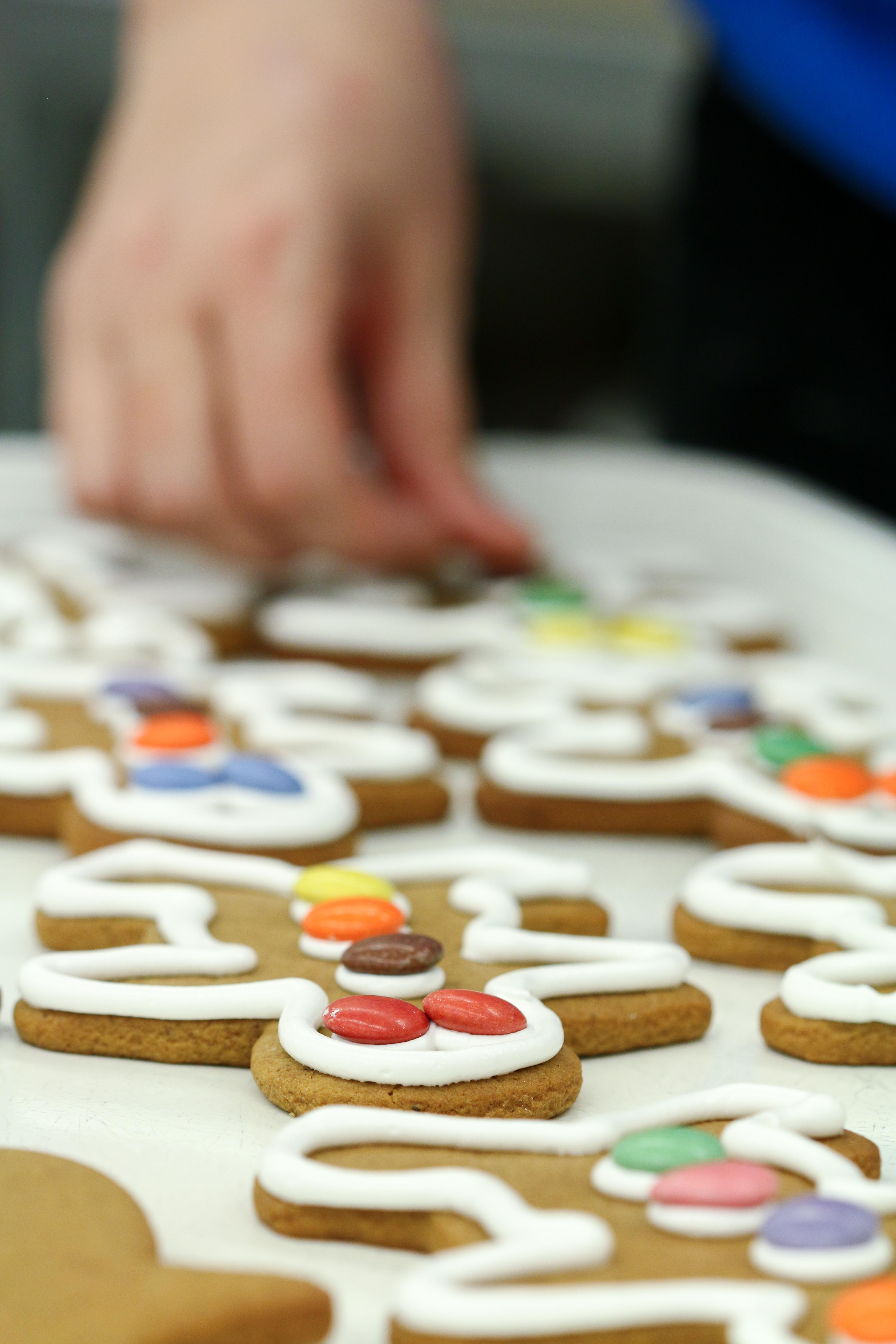 gingerbread men low res