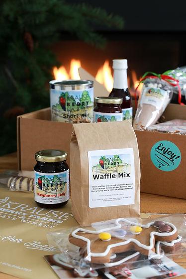 2020 Christmas gift boxes beauty shot-00