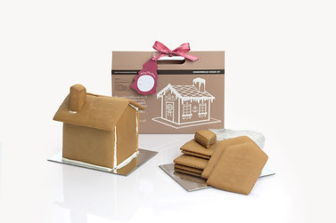 gingerbread-house-kit-fullscreen.jpg