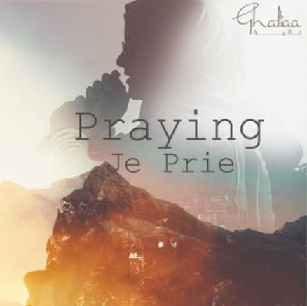 Ghaliaa / Praying
