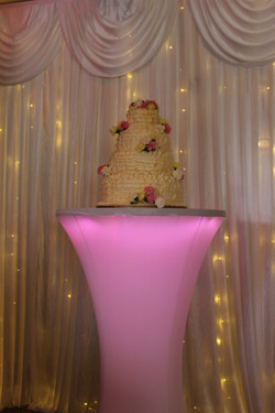 Illuminated wedding cake stand