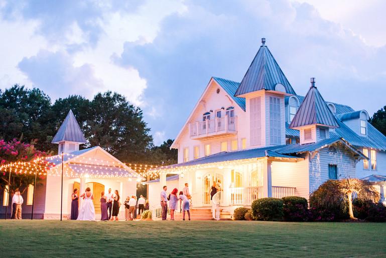 Megan Mullins Photography; Wedding at The Sonnet House in Birmingham, Alabama