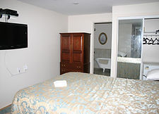 Queen bed suite includes breakfast in the main house