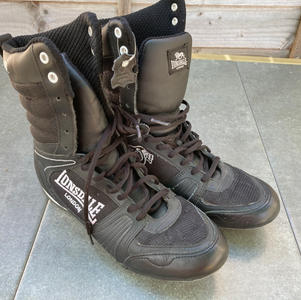 LONSDALE, BLACK BOXING BOOTS