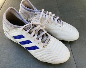 ADIDAS, WHITE MOULDED STUDS (JNR)