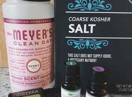 DIY Natural Laundry Scent Booster