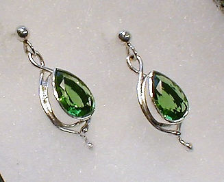 olivine earrings.jpg