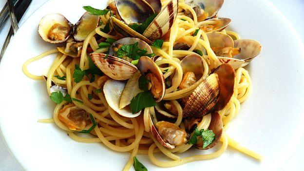 spaghetti-alle-vongole marettimo.jpg
