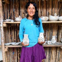 A passionate ceramicist and Weaver. In t