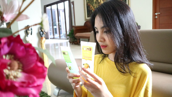 REVIEW & EVENT REPORT Mustika Ratu Glow & Tight Range (Face Wash, Peeling Gel, and Peel Off