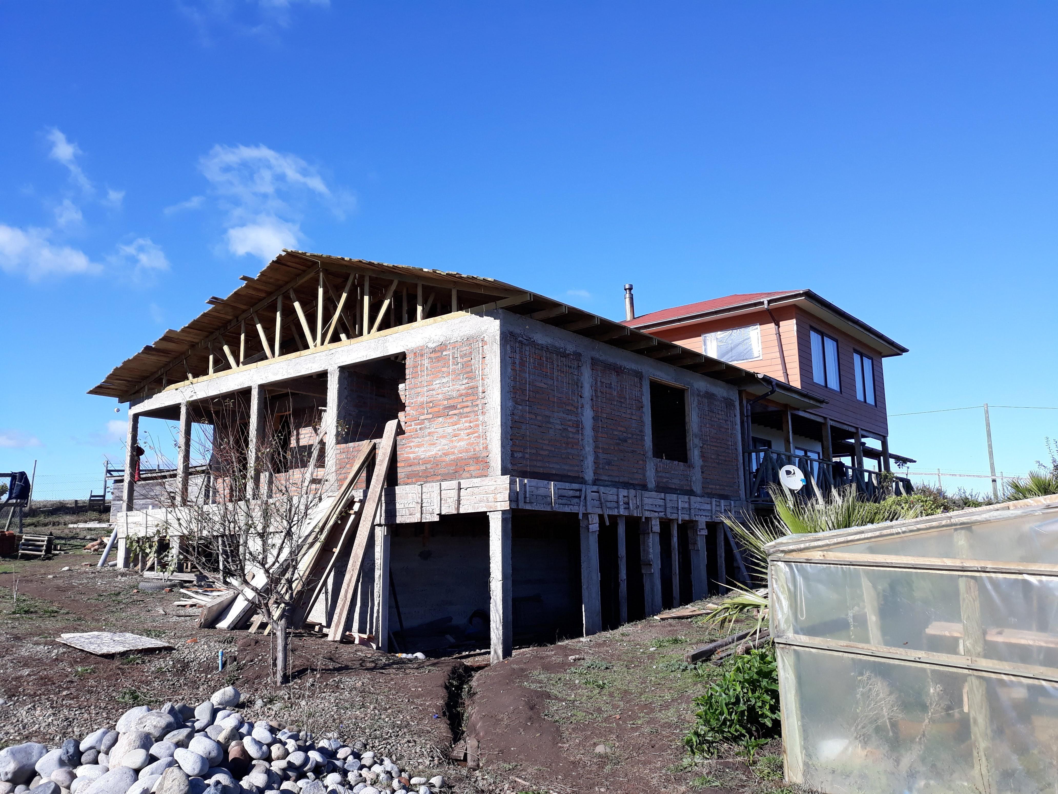 Fachada norte en construcción
