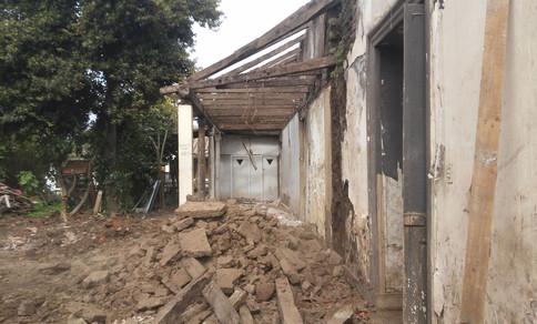 Demolición corredor interior
