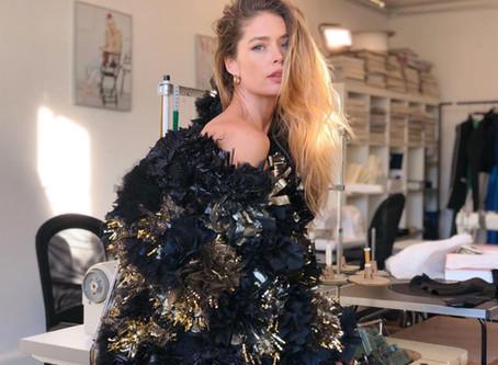 Doutzen Kroes draagt Carpet of Life in haar vlog
