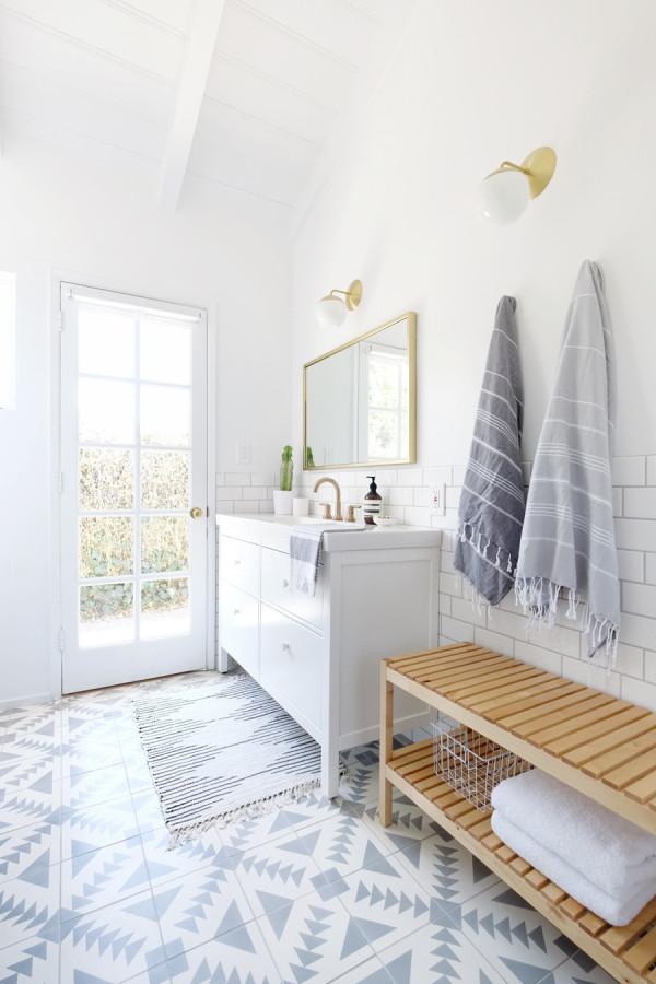 patterned bathroom tiles