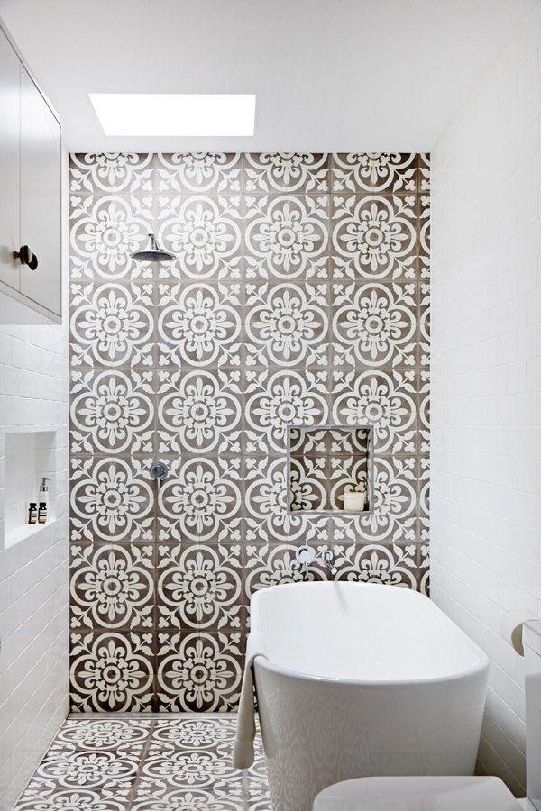 patterned bathroom shower tiles