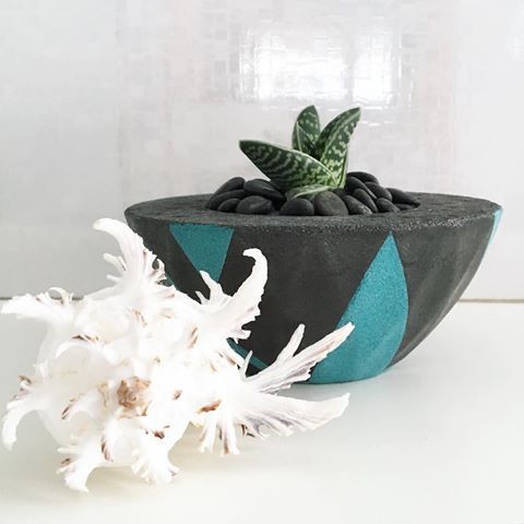 black concrete pot