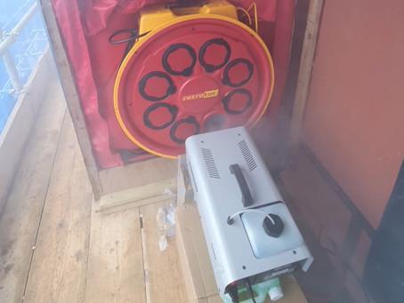 Identifying leakage areas with a smoke generator