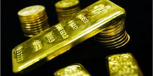 Gold Crashes as Shops Close, Bitcoin Still Open