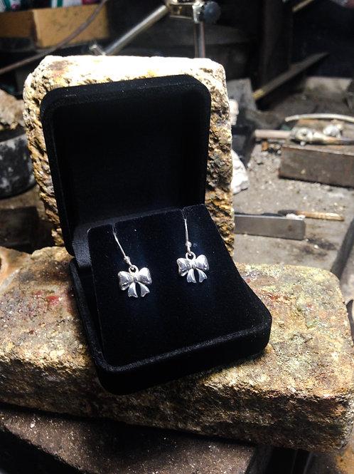 New Jewellery - Delicate Bow Earrings