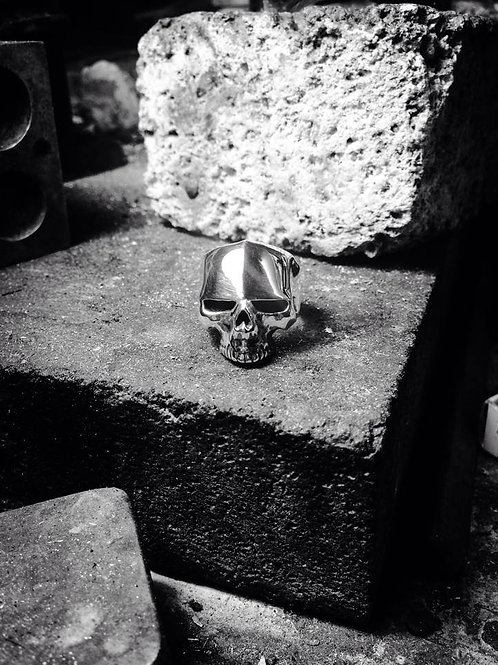 New Jewellery - Small Ridge Skull
