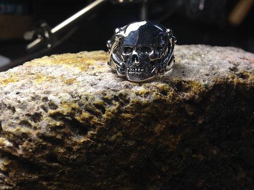 New Jewellery - 2D Skull & Crossbones Ring