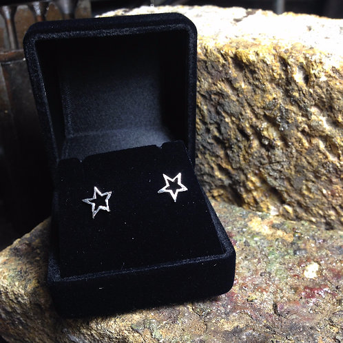 New Jewellery - Hollow Star Studs