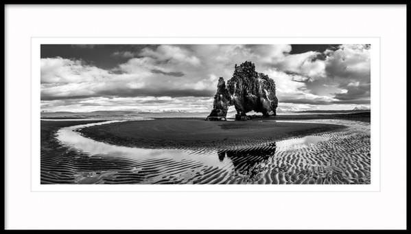 Hvítserkur rock stack, Norðwest Iceland